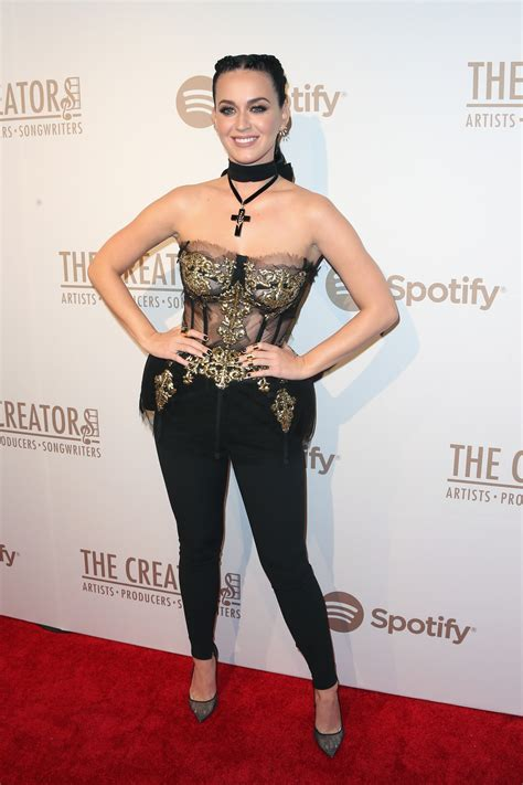 Katy Perry Red Carpet Pajamas | Lets See Carpet new Design