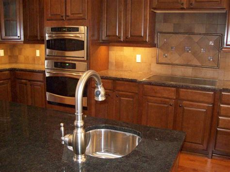 kitchen back splash ideas luxury large kitchen design feature square tiles with in