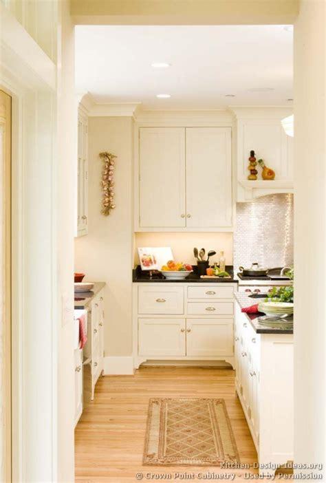 cottage kitchen backsplash cottage kitchens photo gallery and design ideas