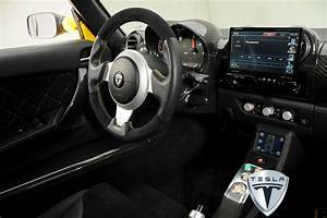 Tesla Roadster Interior Pictures / First Look Inside Tesla Roadster White Prototype Glimpse At ...