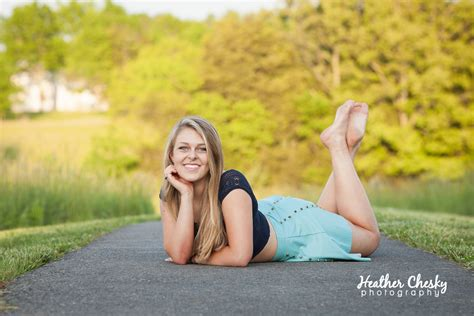 Top 8 Reasons To Schedule Your Senior Portraits This