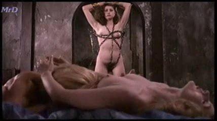 Dombasle  nackt Arielle Arielle meerjungfrau