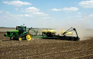 Rain threatens eastern Corn Belt planting.