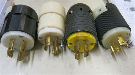 Amp Volt Wire Twistlock Plug Ebay