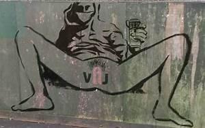 En Angleterre, une artiste féministe peint un vagin sur ...