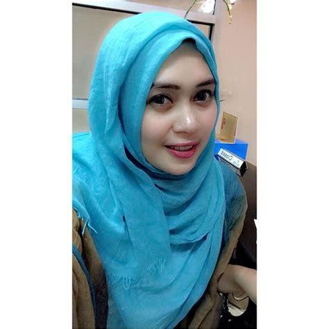 hijab seksi senyuman manis jilbab cantik