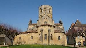 Eglises Romanes Et Chapelles