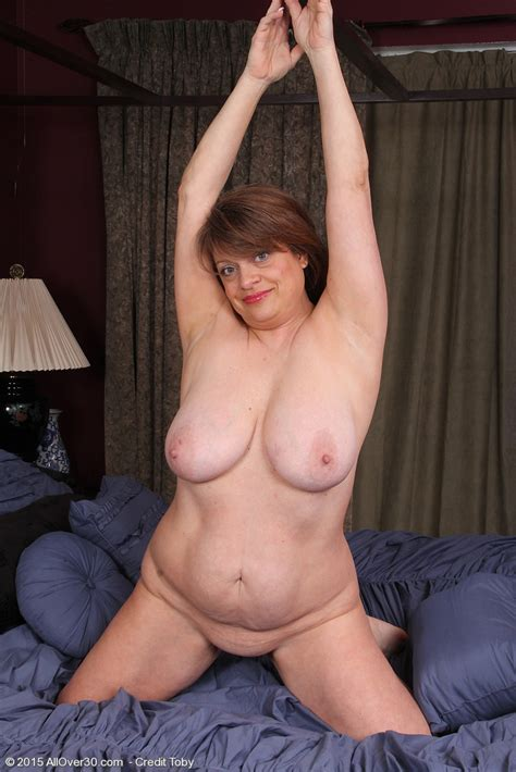 Middle Aged Bbw Penney Beavers Bares Her Huge Tits Before