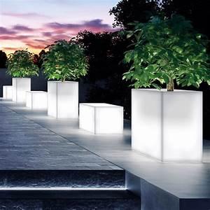 Beleuchtung Für Den Garten : daisy light pflanzgef aus harz f r den au enbereich und mit innenbeleuchtung verschiedene ~ Sanjose-hotels-ca.com Haus und Dekorationen