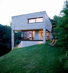 Kleine Häuser Architektur : kleiner betonkubus am hang sch ner wohnen ~ Sanjose-hotels-ca.com Haus und Dekorationen