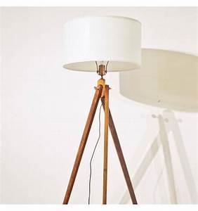 Lampe Bois Design : lampadaire bois design tripode abat jour blanc ~ Teatrodelosmanantiales.com Idées de Décoration