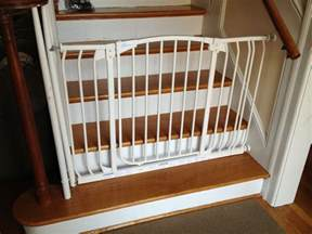 Baby Gate For Stairs With Banister And Wall by Image Of The Best Baby Gate For Top Of Stairs Design That