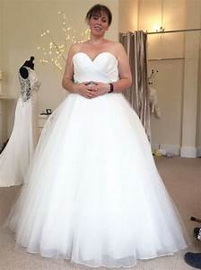 bride loses almost half her body weight in just 12 months With man forced into wedding dress