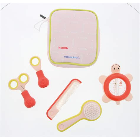 set de toilette bebe confort set de toilette de b 233 b 233 confort trousses de toilette aubert