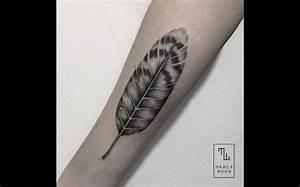 Tatouage Plume Poignet : tatouage poignet plume trendy tatouage plume page ~ Melissatoandfro.com Idées de Décoration