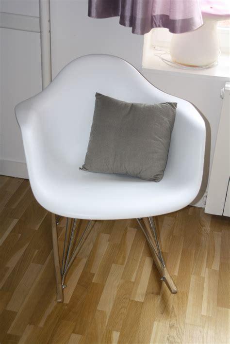 fauteuil a bascule blanc photo 4 18 fauteuil a bascule