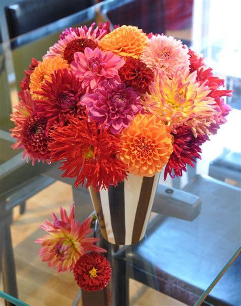 dahlia flower arrangements 1000 images about dahlia ideas for centerpieces on pinterest floral arrangements autumn
