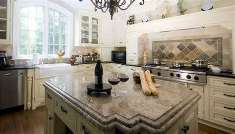 Antique White Kitchen Cabinets (Design Photos)   Designing