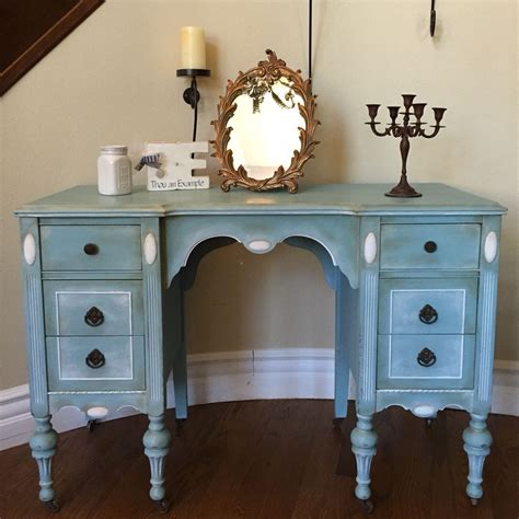 i love this vintage vanity homemade chalk paint using a