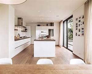 Moderne Küchen Bilder : die besten 25 moderne k chen ideen auf pinterest moderne k cheninsel moderne k chendesigns ~ Sanjose-hotels-ca.com Haus und Dekorationen