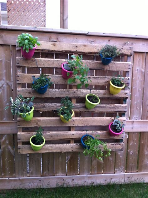 Vertical Herb Garden Ideas by Best 25 Vertical Herb Gardens Ideas On Wall