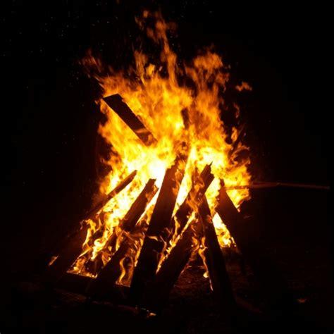 Wie Heiß Wird Ein Lagerfeuer by Aktuelles Feuer Im Freien Anmelden Bei Der Integrierten