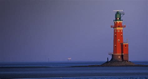Der Alte Leuchtturm Hohe Weg Nordseeküste Deutschland Uwe Walzpicture Pressphotolibrary