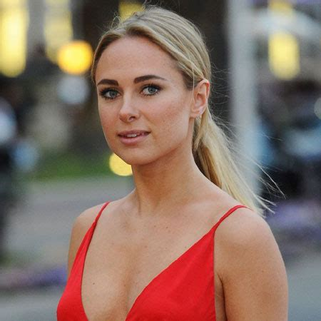 kimberley garner bio fact marriedaffairboyfriend