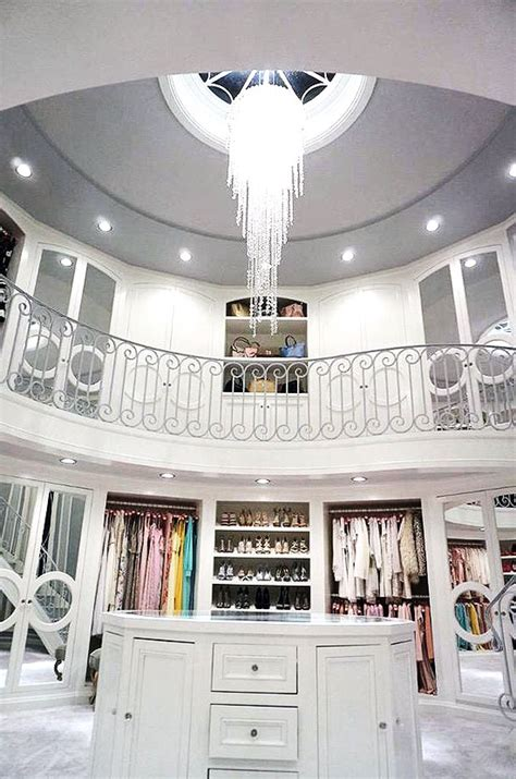 30 Walkin Closets You Won't Mind Living In