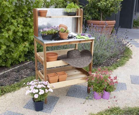 Ein Pflanztisch Für Den Garten