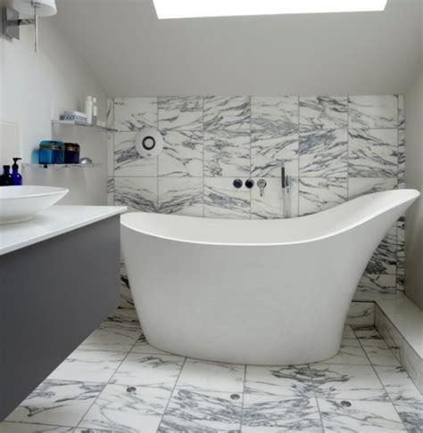 Freistehende Badewanne Die Moderne Badeinrichtungfreistehende Badewanne Aus Marmor by Kleine Und Moderne Badezimmer Mit Badewanne Freshouse