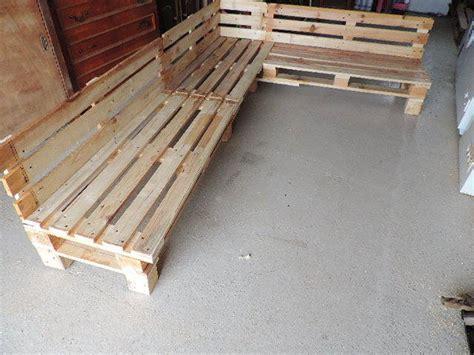 canapé en palette en bois canapé de jardin en palettes guide astuces