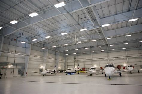 hangar a how many aircraft can airline put in hangar aviation