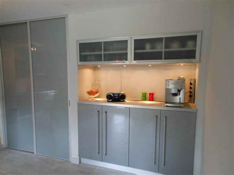 meuble de cuisine avec porte coulissante meuble de cuisine haut avec porte coulissante 12 idées
