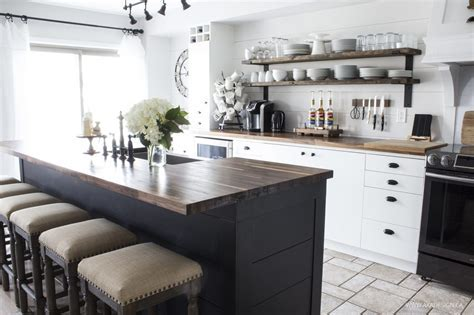 10 Beautiful Modern Farmhouse Kitchens   Mommy is a Wino