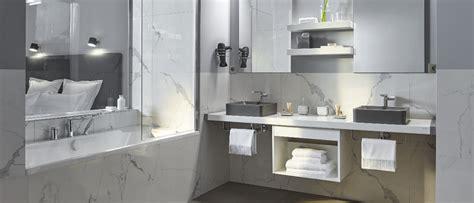 du marbre dans la salle de bains on dit oui carnet d 233 l 233 gance