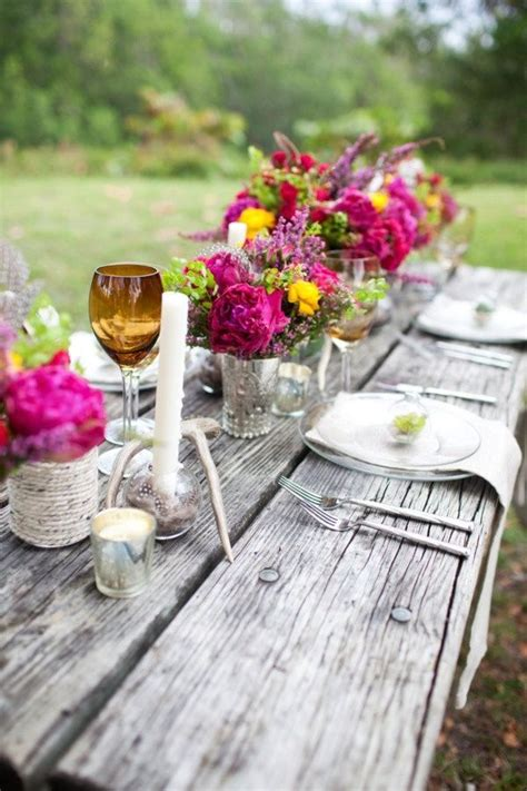 19 Gorgeous Outdoor + Rustic Wedding Table Decoration
