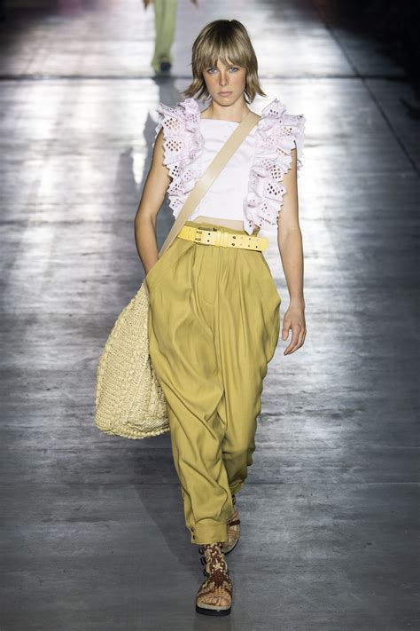 milan fashion week spring summer 2019 alberta ferretti onobello com