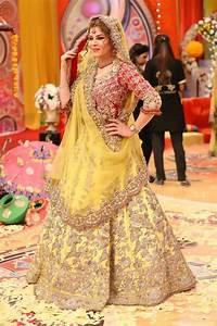 Latest Pakistani Bridal Mehndi Dresses 2018 for Brides   FashionGlint