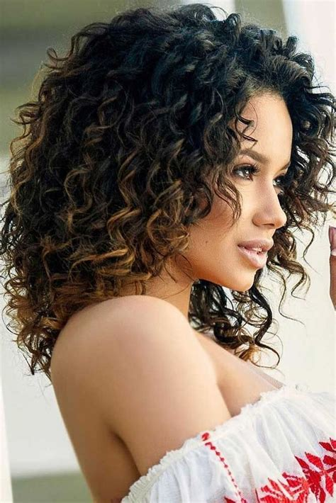 best 25 layered curly hairstyles ideas curly hair haircuts curly