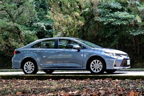 toyota corolla altis launched  taiwan carspiritpk