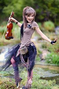 Lindsey Stirling Height, Weight, Age, Family, Net Worth ...