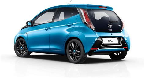 toyota car company toyota and daihatsu to jointly develop city cars for