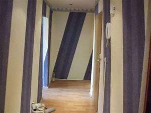 Vinyltapete Tapezieren Tipps : tipps zum tapezieren tapete muss nicht immer gerade sein decowunder blog ~ Markanthonyermac.com Haus und Dekorationen