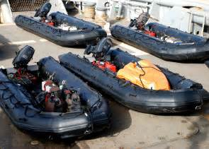 Images of Navy Seal Zodiac Boats Military