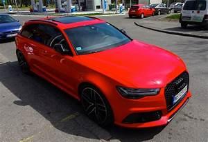 Spotlight Candy Red Audi RS6 Avant