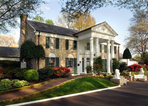 Graceland Mansion - Elvis Presley's Mansion