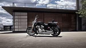 2017 Harley-Davidson V-Rod Muscle Review