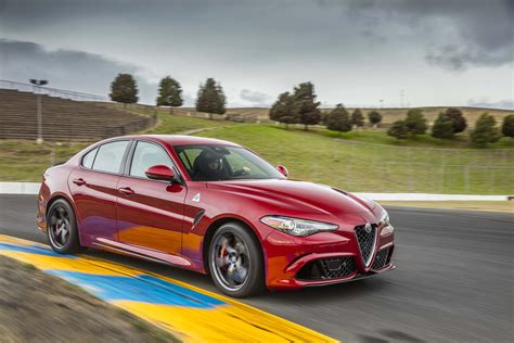 2019 Alfa Romeo Giulia Barracuda : 2019 Alfa Romeo Giulia Review, Ratings, Specs, Prices, And