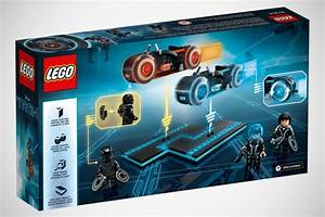 LEGO Ideas TRON Legacy Set Has Not One But Two Light ...